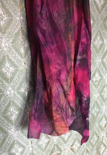 Flammende farver på silke tørklæde